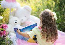 Dziecko czytające